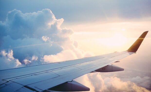Auto sobre las indemnizaciones por anulación en vuelos divididos en varios trayectos